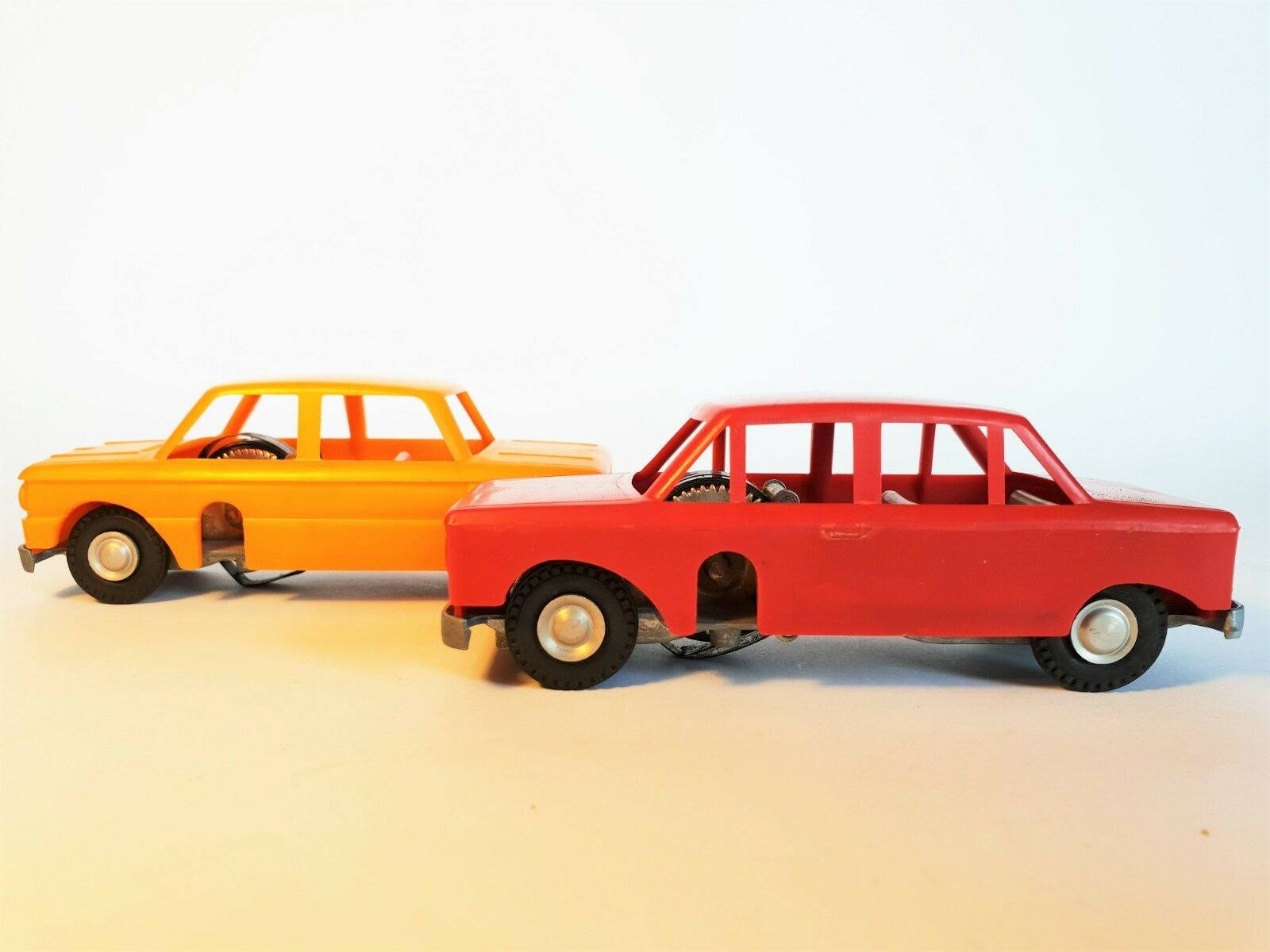 70 VINTAGE ULTRA RARE WIND-UP RUSSIAN LADA & ZAZ CARS