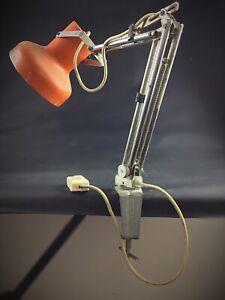 ancienne-lampe-cocotte-articulee-de-bureau-Vintage-orange-a-restaurer-RETRO