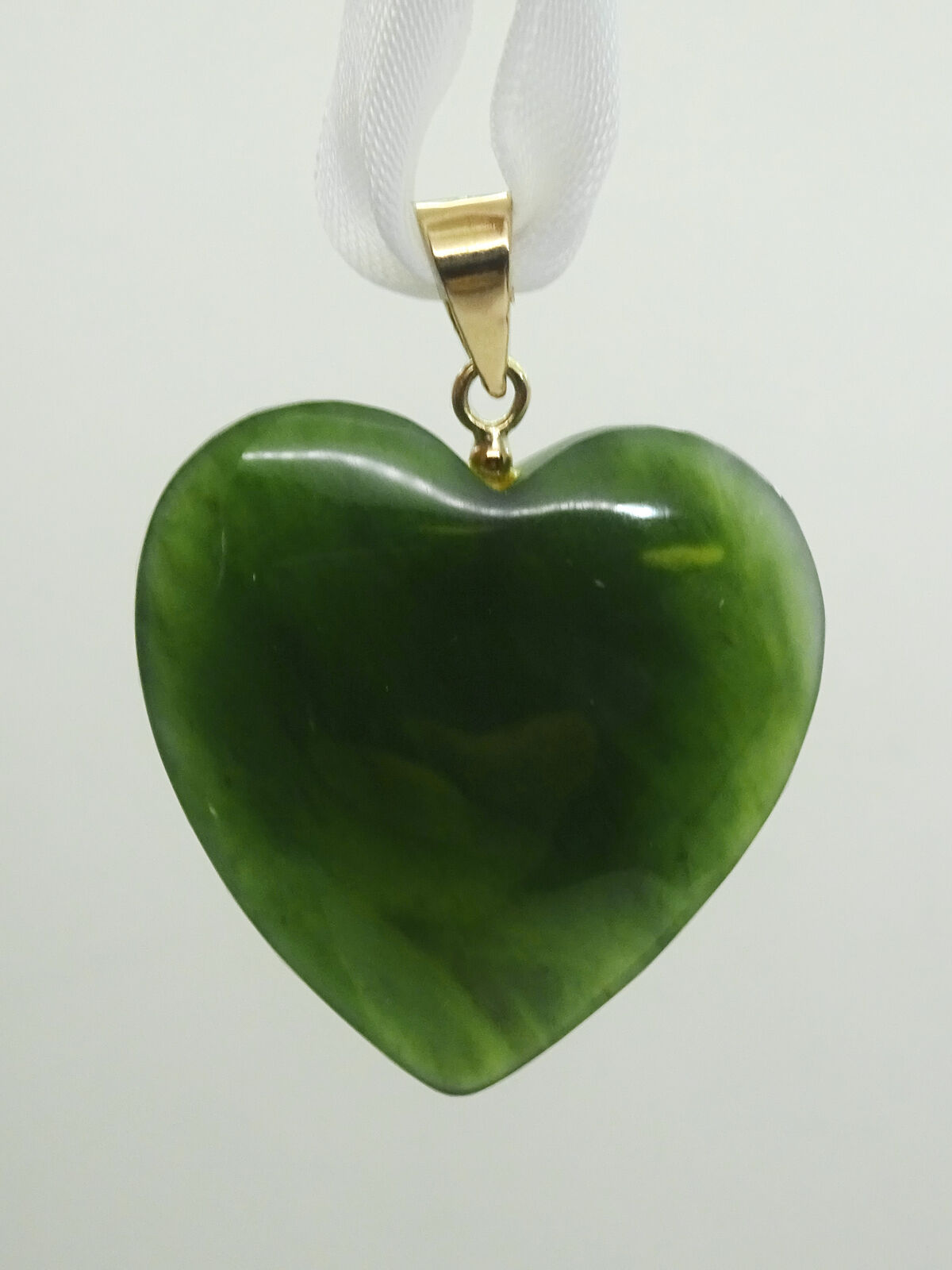 Vintage Jadeite Jade and 14k Solid Yellow gold Heart Knot with 20 inch Chain  Valentine/'s Day