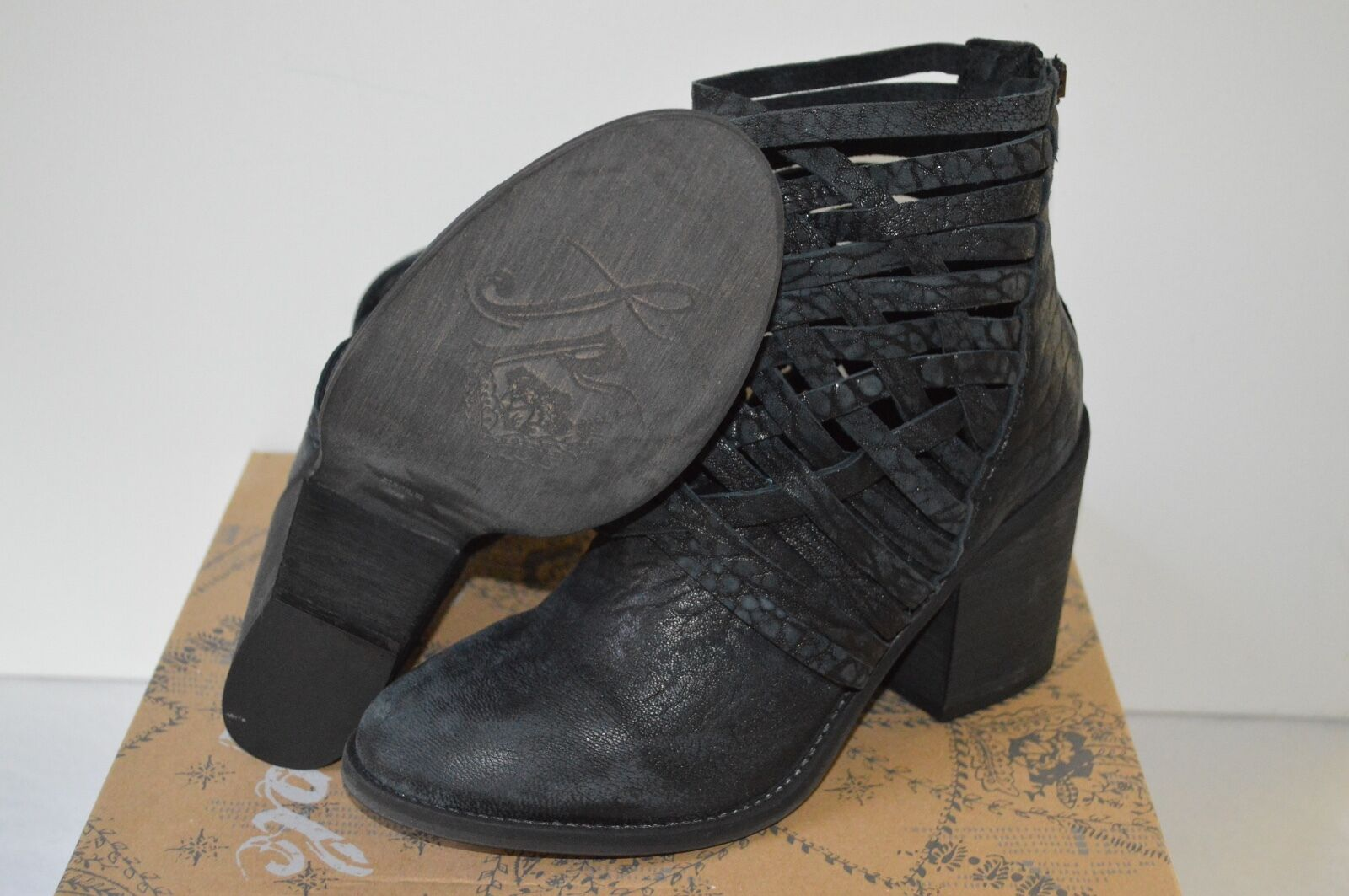 New  198 Free People Carrera Heel Bootie Bootie Bootie Boots Ankle Short Black Leather SoldOut 4b0561
