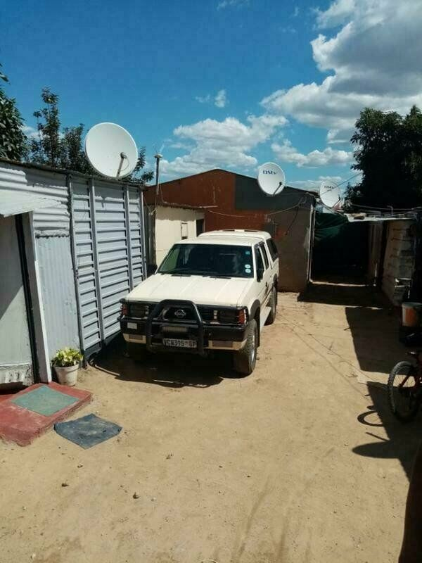 Rdp house for sale in diepsloot with a big yard with shacks in the yard for R400000 only for cash...
