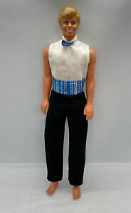 Vintage 1988 Ken Doll Barbie Blonde Hair Blue Eyes Very good Condition w Outfit