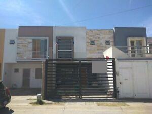 CASA EN EL FRACCIONAMIENTO PARQUES DEL BOSQUE, TLAQUEPAQUE