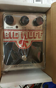 Electro-Harmonix-EHX-Big-Muff-Pi-Distortion-Sustain-Fuzz-Guitar-Effects-Pedal