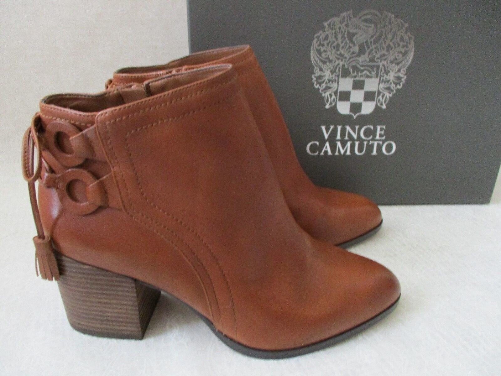 139 VINCE CAMUTO LEATHER BROWN ANKLE ZIP UP BOOTS SIZE 9 W - NEW