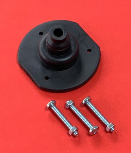 Trailer Towing Flat Sided Socket 7//13 Pin Rubber Gasket//Seal with M5 Nuts//Bolts
