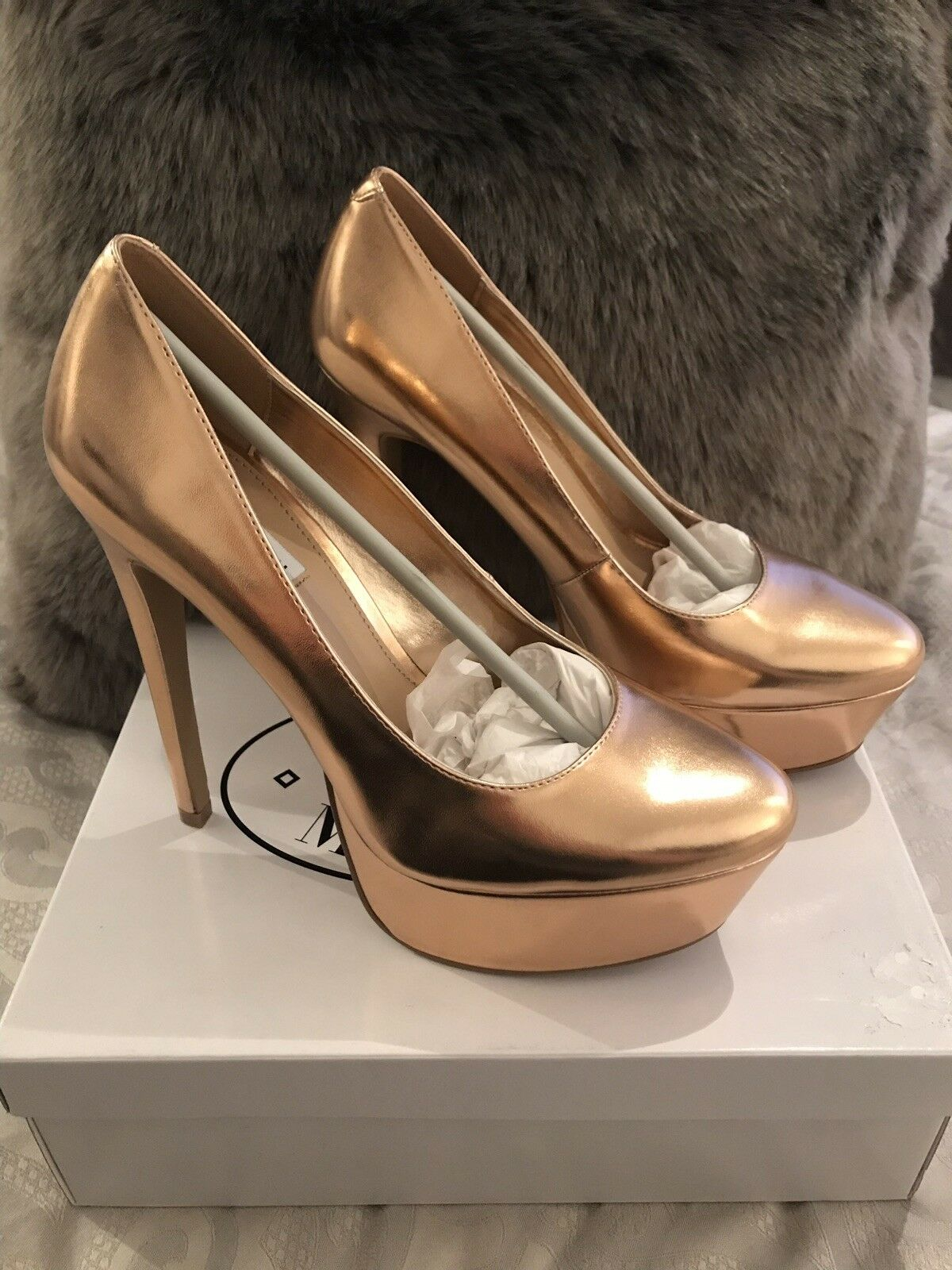 b4f0ee12308 Brand New Steve Madden 'Deserve' Heels In gold UK 7 US 9 EU 40 pink ...
