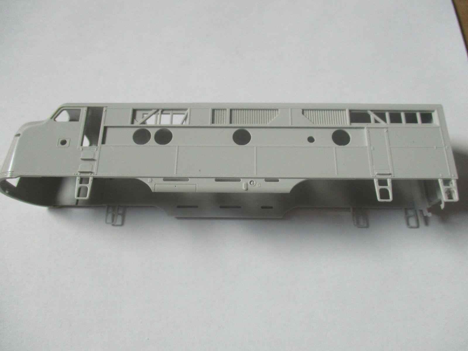 Highliners Stock 1003 F3A Unit with Athearn Screens and all Parts HO Scale
