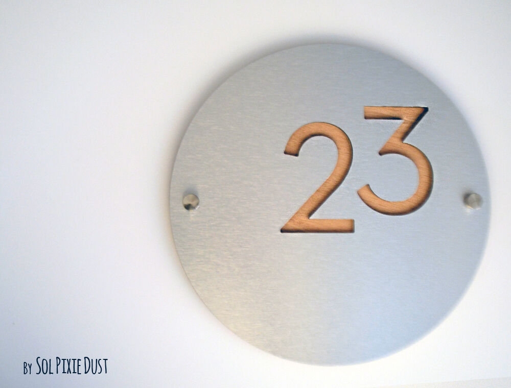 Modern House Numbers, Round Alucobond with Natural Wood - Sign Plaque