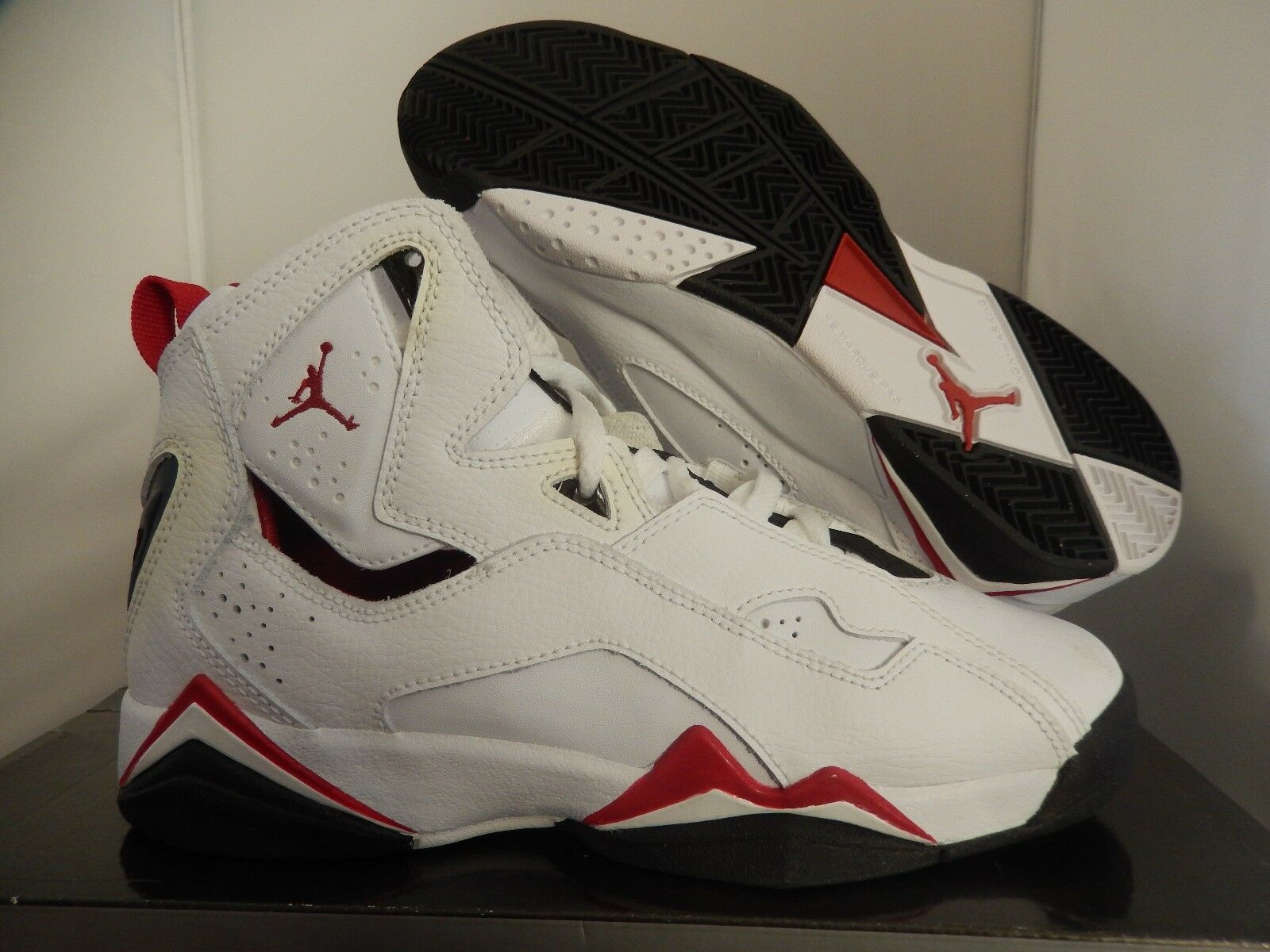 NIKE JORDAN TRUE FLIGHT WHITE-VARSITY RED-BLK SZ 5Y -WOMENS SZ 6.5 [343795-161]