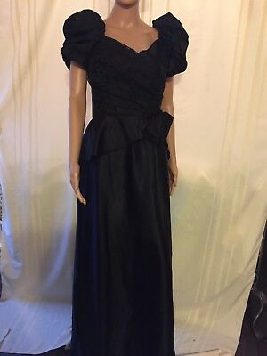 Vintage Satin Lined Scoop Neck Pinup Cocktail Dress with Puff Sleeves
