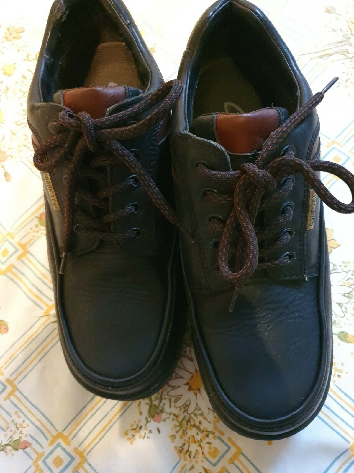 CLARKS ACTIVE AIR MENS SHOES SIZE UK 7.5 IDEAL FOR WINTER