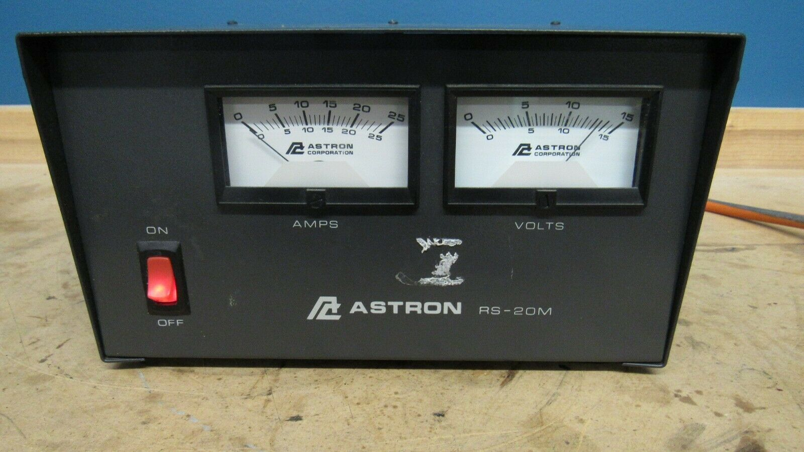 lapeergoldandloan8664 ASTRON RS-20M POWER SUPPLY Volt and Amp Meter