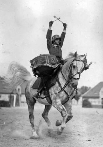 WWII B/&W Photo German Drummer on Horseback  WW2 Wehrmacht World War Two 2048