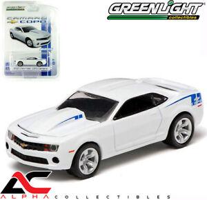 Greenlight-29756-1-64-2010-2011-2012-Copo-Chevrolet-Chevy-Camaro-White-blue