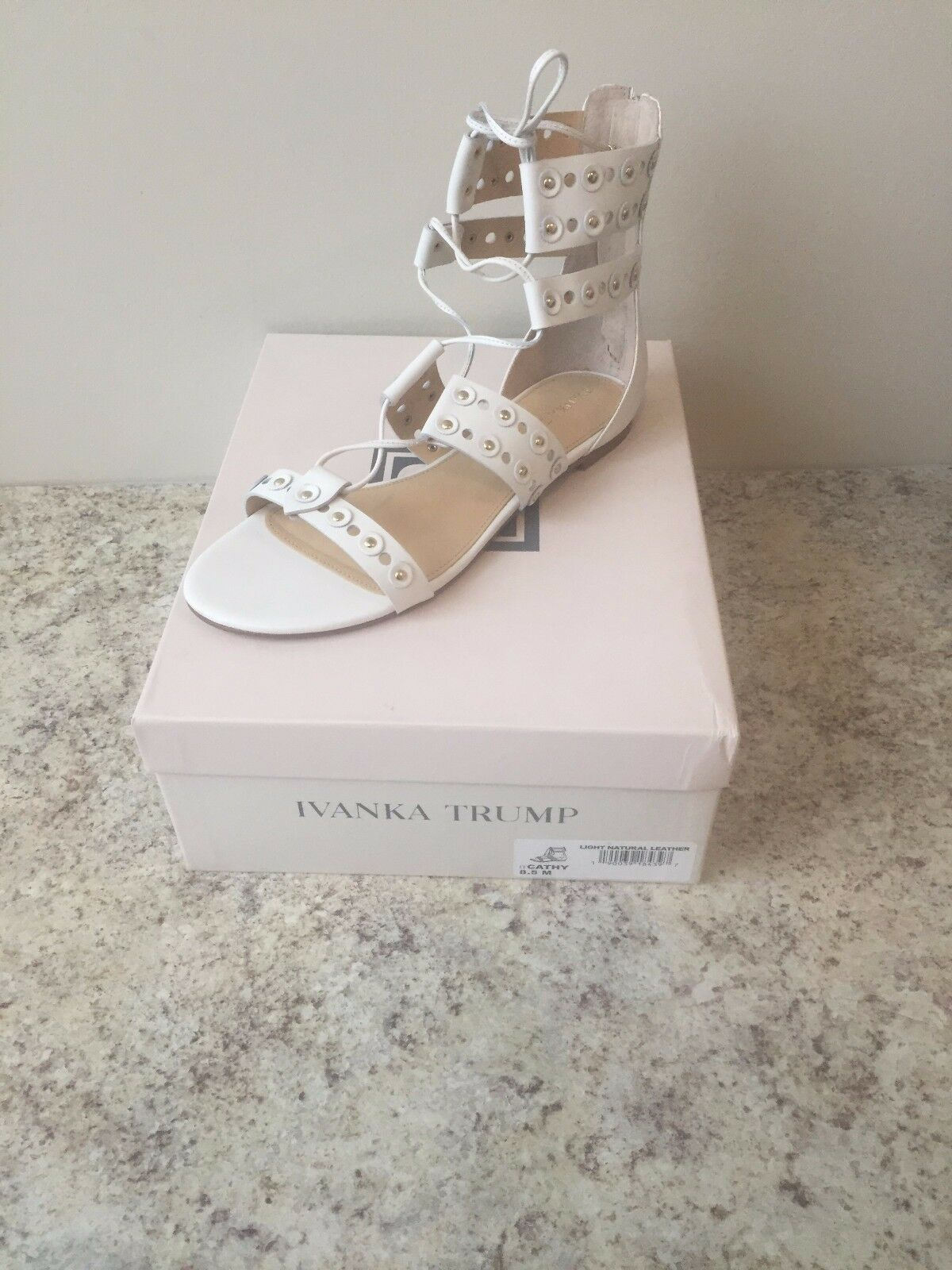 Chaussures pointure-Ivanka Trump-Cathy-Taille 8.5 M-neuf avec boîte