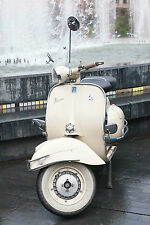 SUPERB RETRO WHITE ITALIAN VESPA SCOOTER CANVAS #501 QUALITY FRAMED PICTURE A1