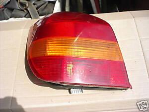 Ford-Fiesta-III-3-GFJ-Heckleuchte-Ruecklicht-links