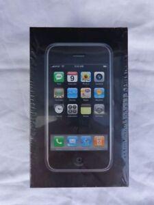 Extremely-Rare-iPhone-1st-Generation-4GB-Black-Sealed-NIB