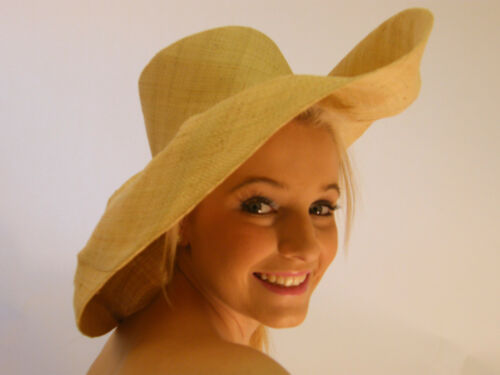 Superb Ladies Large Summer Sun Holiday Floppy Beach Straw Hat Hand Made Natural