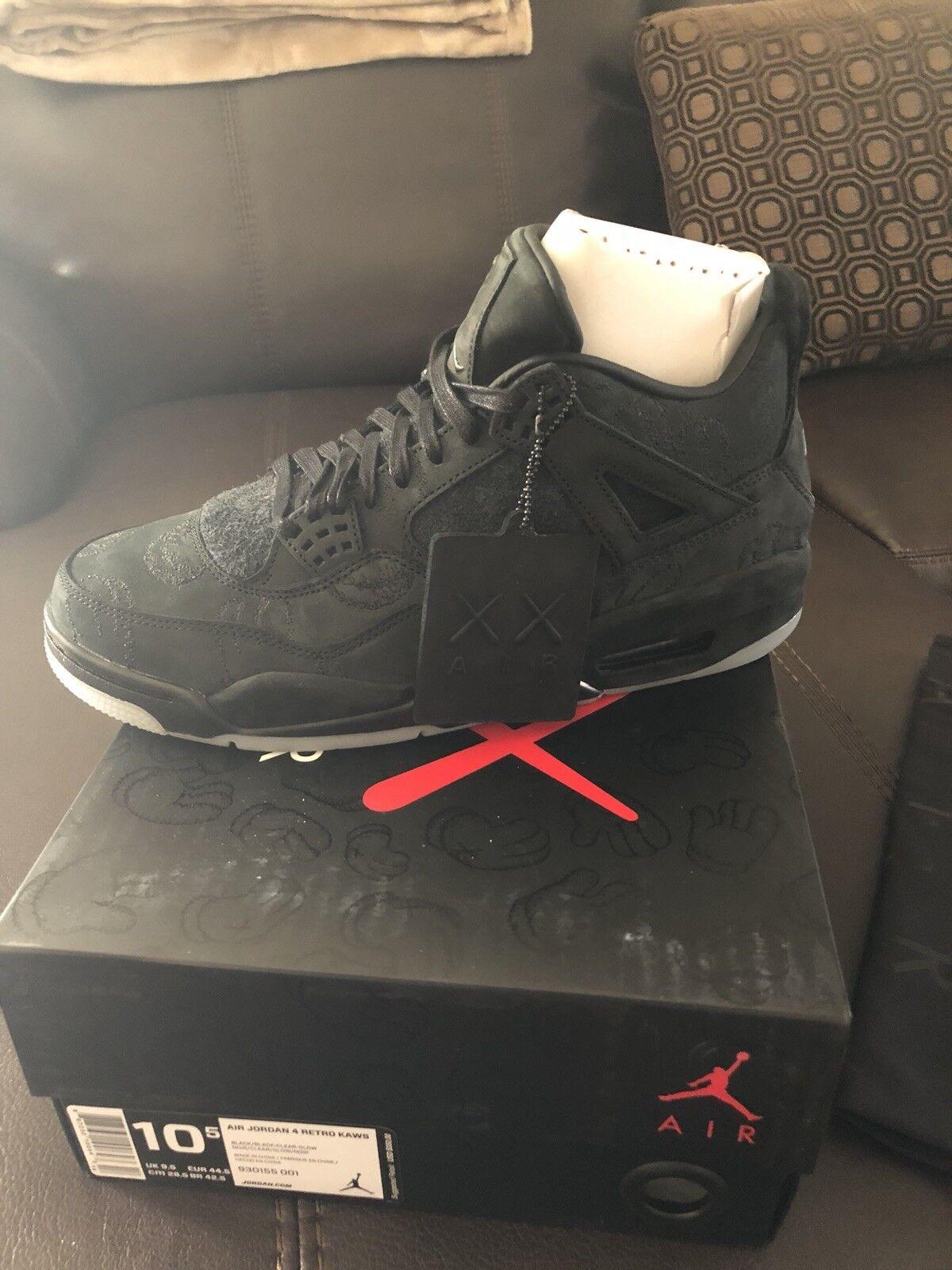 Jordan 4 Kaws Size 10.5