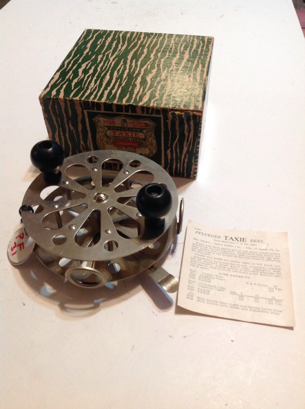 Vintage Pflueger 3128 Taxie  Fishing Reel With Box Lot Pf-31