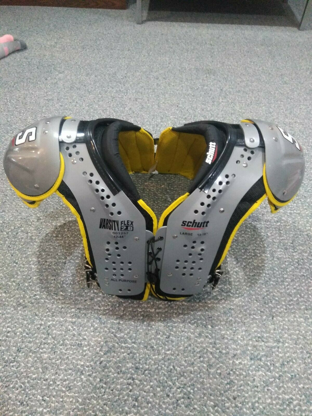 Schutt Varsity Flex Shoulder Pad Large Adult All Purpose