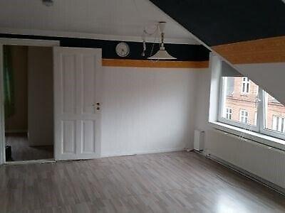 7700 vær. 2 lejlighed, m2 70, Møllevej