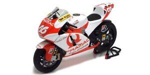 1:12 Ducati Desmo 16 Gp7 Hoffmann Motogp 2007 1/12 • Minichamps 122070066
