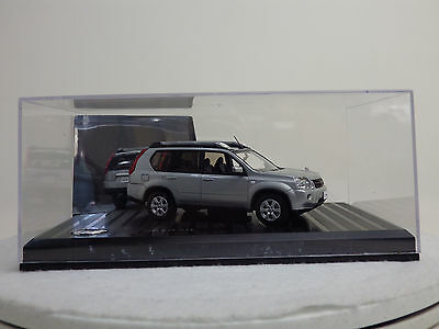NISSAN X-TRAIL T31  Diamond Silver  1:43 Nissan special order/Kyosho NEW