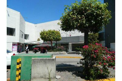 Renta de local comercial externo en Galería Las Animas, Circuito Juan Pablo II