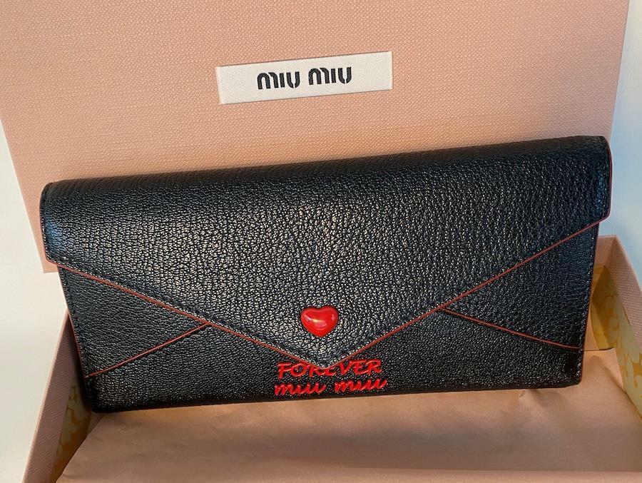 Miu Miu 5MH013 Madras Forever Miu Miu 'Love' Portemonnaie Black Leather Wallet