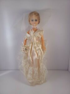 Vintage-1961-Kaysam-Jointed-Plastic-Bride-Character-Girl-Doll