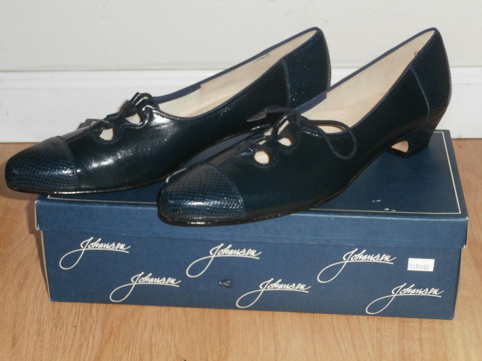 Johansen -Leather Cap Toe ,Low Heels, Size   9 9 9 1 2  5A ,color  Navy 8b9f0f