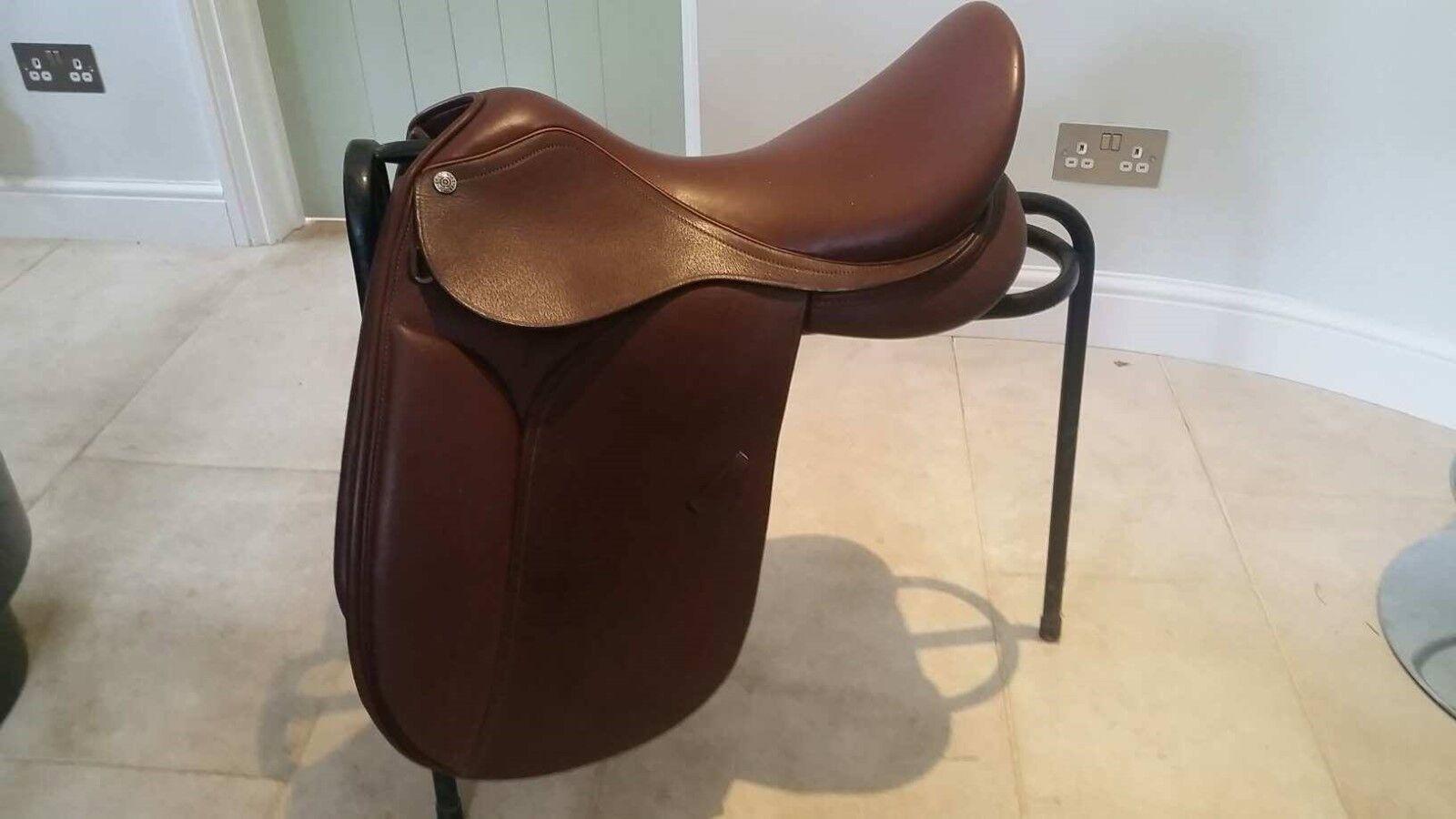 St Lourdes Dressage show saddle