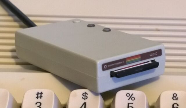 C64c Style SD2IEC Commodore 1541 Disk Drive Emulator SD Card Reader C64 C128 Vic