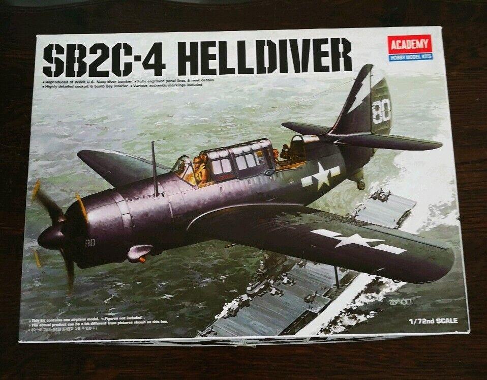 Maquette SB2C -4 HellDIVER Academy skala 1  72 R R65533;rough 65533; f 12406 NEUF