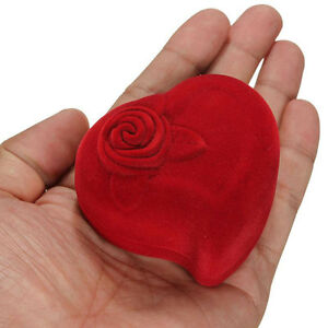 Red heart shape velvet wedding ring box jewelry boxes rose for Heart shaped engagement ring box