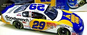Kevin-Harvick-29-GM-Goodwrench-Service-AOL-2001-Monte-Carlo-Bank-1-24-Action