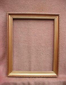 Joli cadre contemporain en bois doré à la feuille - feuillure 47 x 36,8 cm