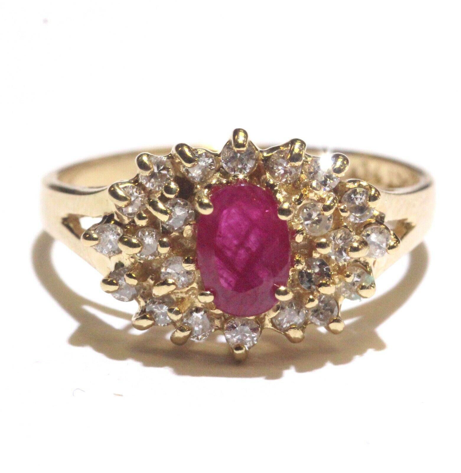 14k yellow gold .33ct SI2 H diamond ruby cluster ring 3.4g estate vintage