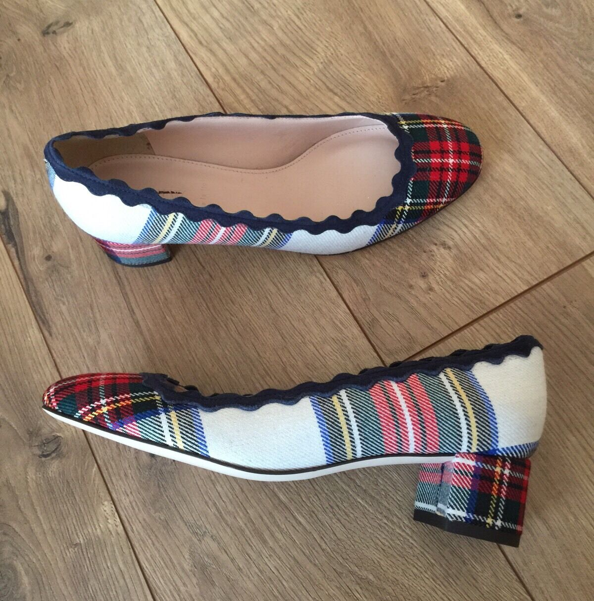 JCREW  248 SCALLOPED FESTIVE PLAID HEELS 5 IVORY RED BLUE TARTAN F8495 NEW