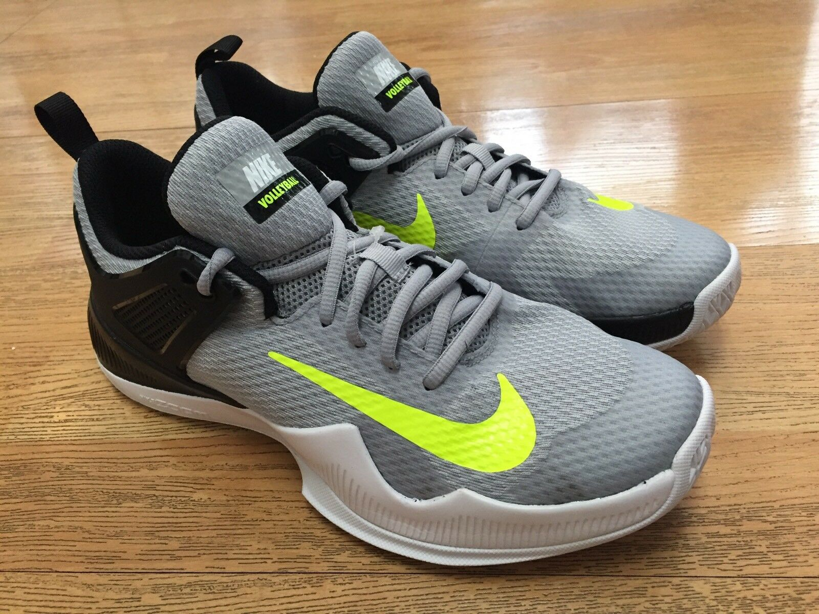 NIKE AIR AIR AIR ZOOM HyperACE donna VOLLEYBALL PERFORMANCE scarpe 11.5 NEW IN BOX 2f1ddd