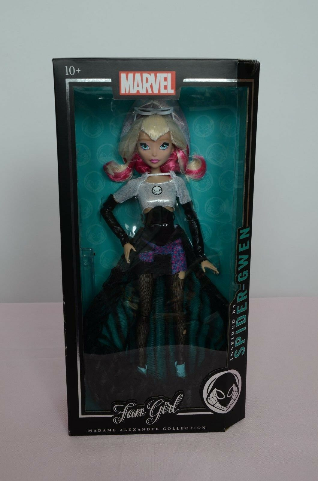 Marvel Fan Girl Spider Gwen Doll Madame Alexander Collection New