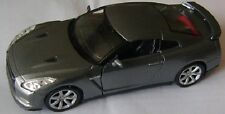 MODEL NISSAN GT-R 1:38 Scale Opening Doors, Pull Back and Go Action: WELLY 90873