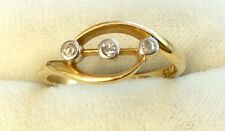 Beautiful Ladies Early Vintage Solid 18Ct Gold Three Stone Diamond Ring - Superb