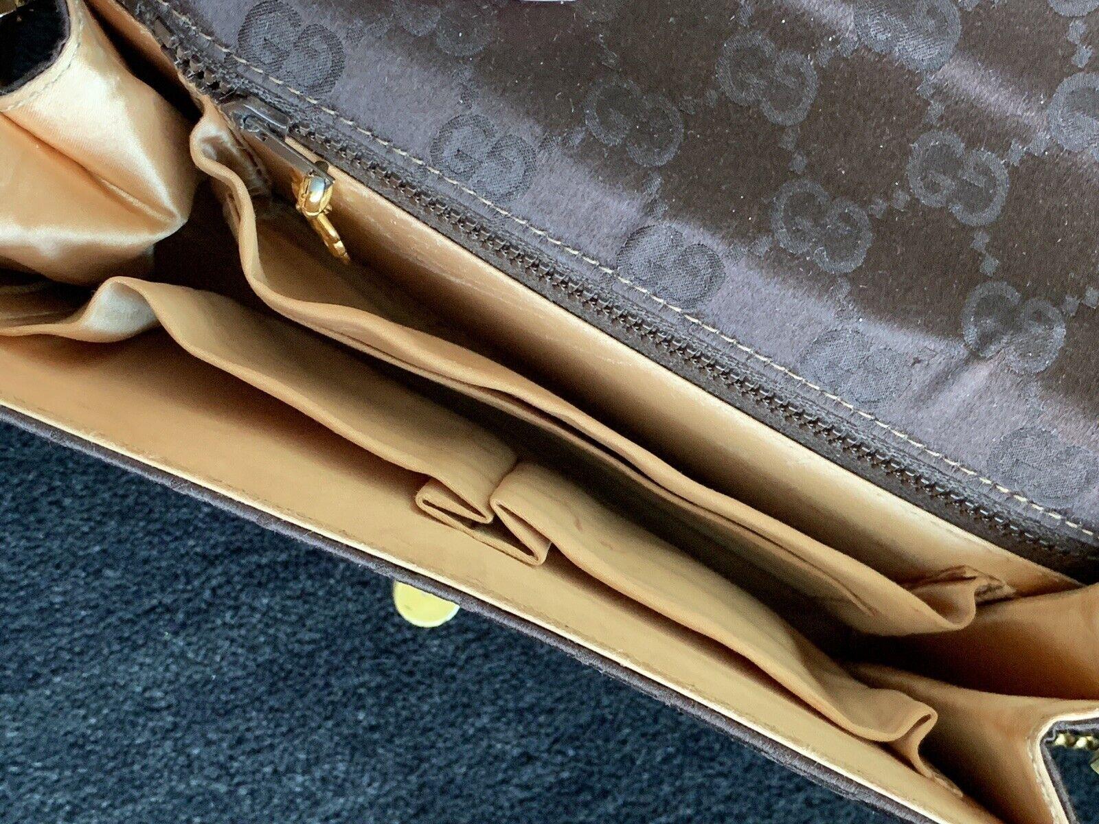 Gucci Vintage Classic Handbag with original box  - image 7