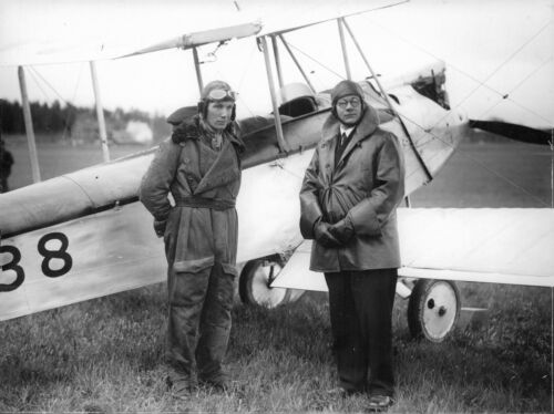 8x10 phot Norwegian Pilots in front of their airplane at the Illis exhibition