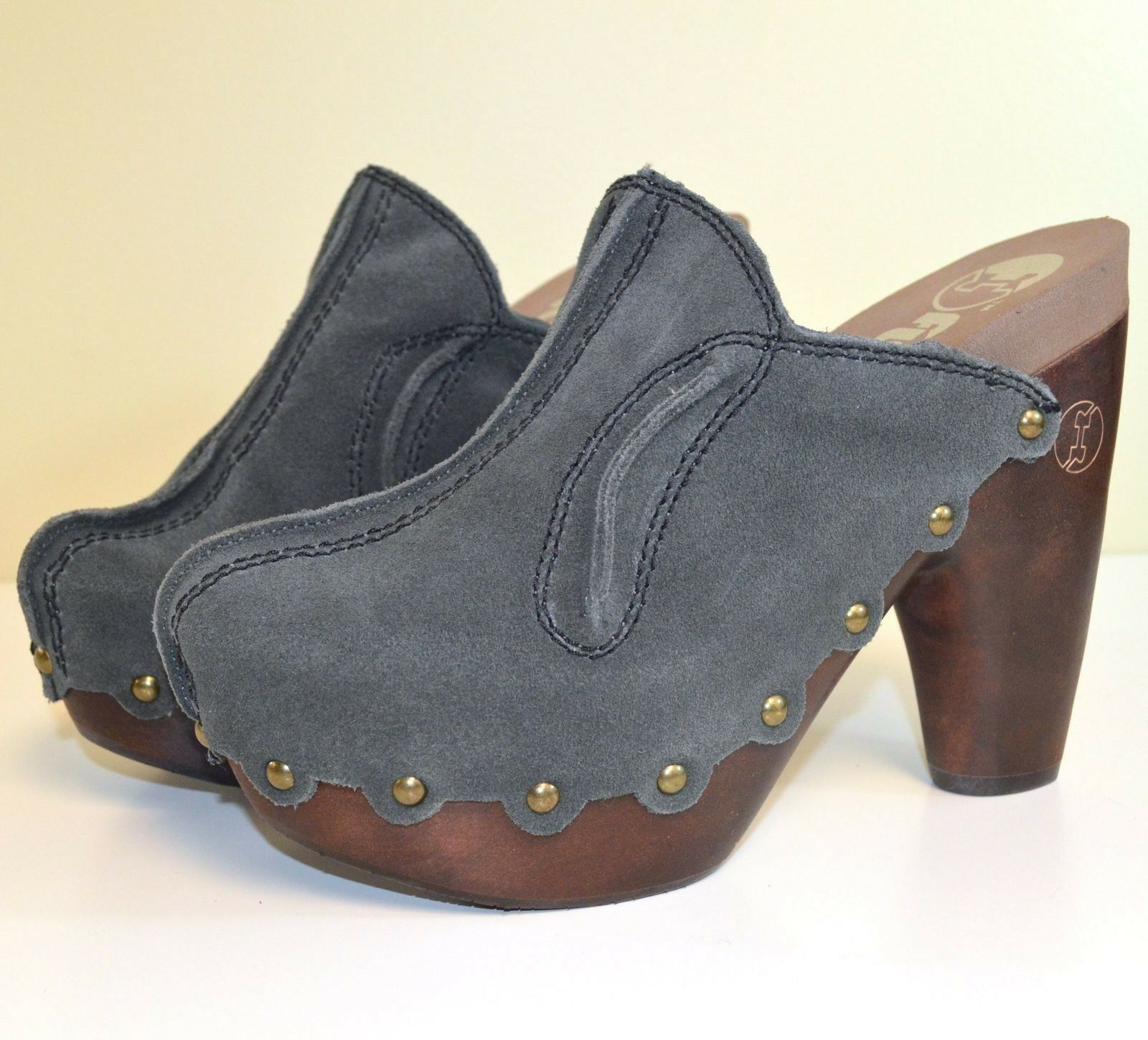NIB Flogg Womens Diana Suede Heels Clogs Mules in Grey X1026 MSRP  150