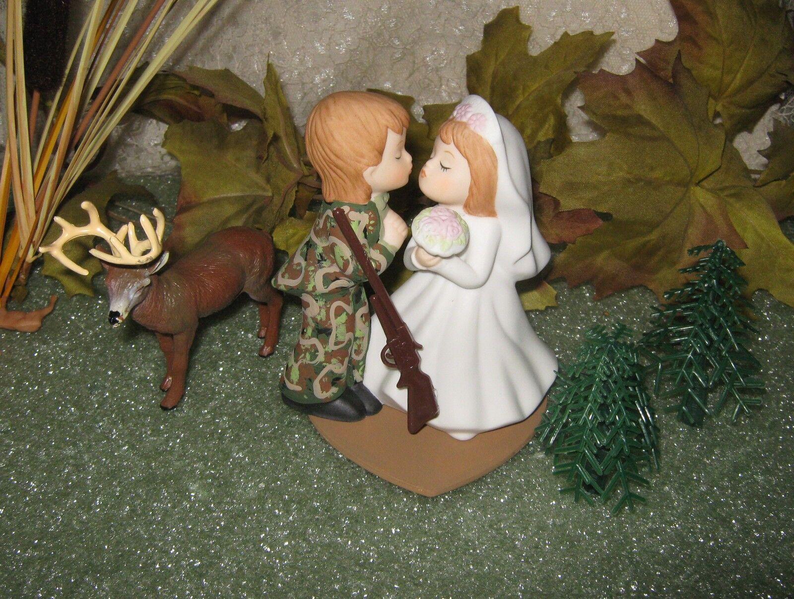 KISSING COUPLE HEART WEDDING CAMO DEER HUNTER HUNTING CAKE TOPPER
